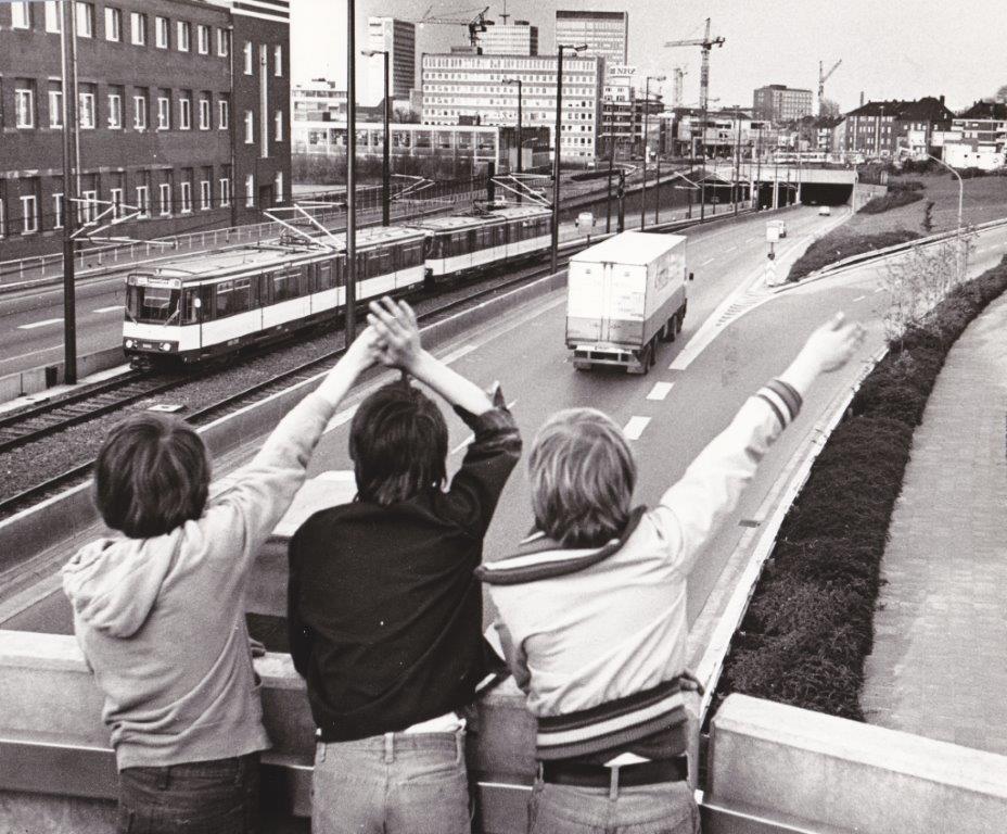 Savignystr_begruessung_der_stadtbahn_1977